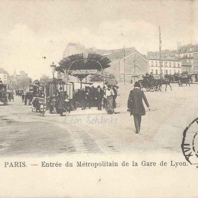 GB 111 - Entrée du Métropolitain de la Gare de Lyon
