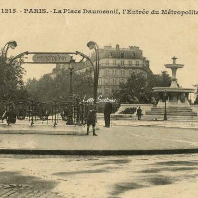 Gondry 1215 - La Place Daumesnil, Entrée du Métropolitain
