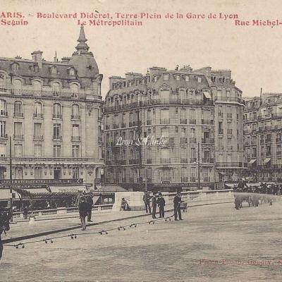 Gondry Photo-Phono - Boulevard Diderot, Terre-Plein de la Gare de Lyon