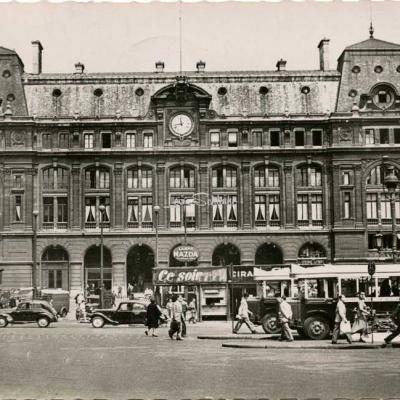 Guny 3649 - PARIS - La Gare St-Lazare (côté Cour de Rome)