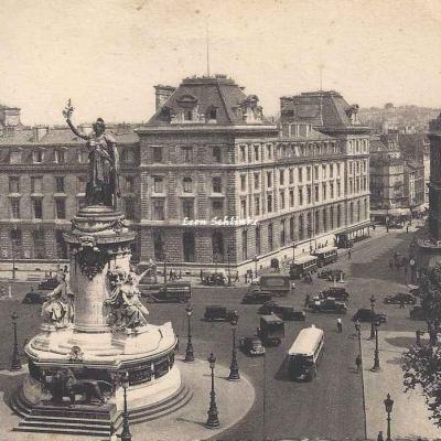 Guy 517 - Place de la République