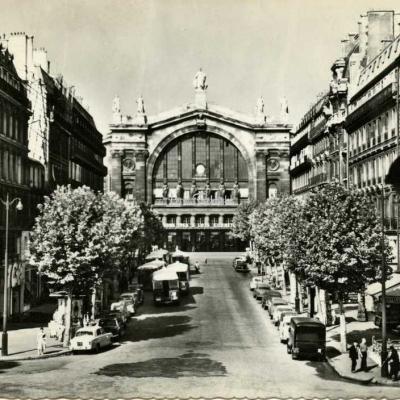 Guy 7639 - PARIS ET SES MERVEILLES - La gare du Nord et le Bd Denain