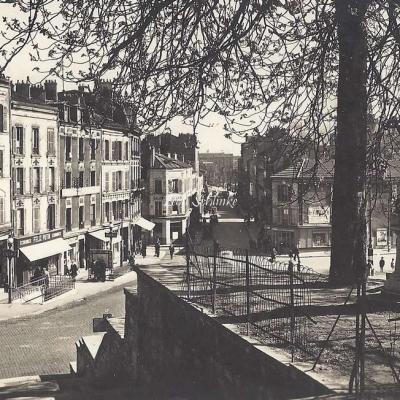 Raymon 390 - Ivry - Place de l'Eglise et Avenue de la Mairie