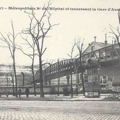 JH 416 - Métropolitain traversant la Gare d'Austerlitz