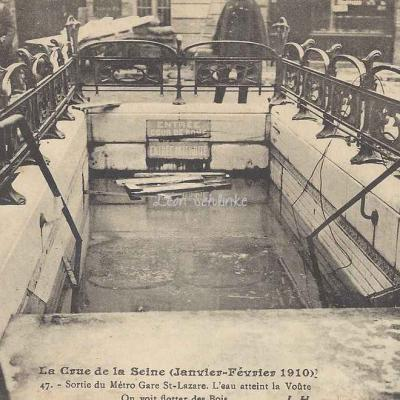 JH 47 - La Crue de la Seine - Sortie du Métro inondée