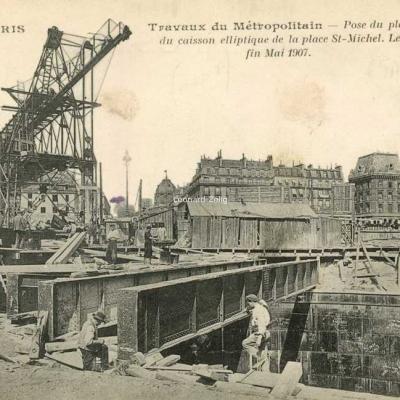 JH 694 - PARIS - Travaux du Métropolitain Le Transbordeur Place St-Michel