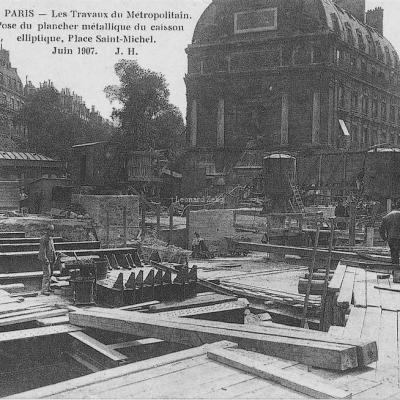 JH 701 - Pose du Plancher métallique, Place Saint-Michel