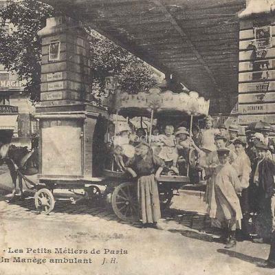 JH 924 - Un manège ambulant (Les Petits Métiers de Paris)