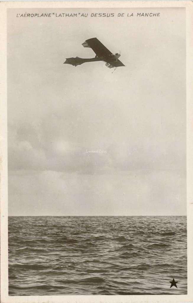 L'Aéroplane Latham au-dessus de la Manche
