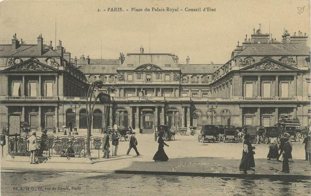 L. et O. 2 - PARIS - Place du Palais-Royal - Conseil d'Etet