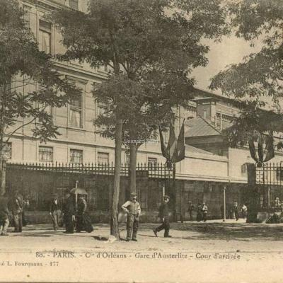 L.F.&V. 80 - PARIS - Cie d'Orléans - Gare d'Austerlitz - Cour d'arrivée