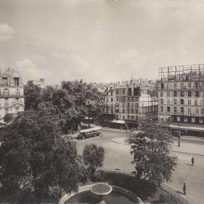 YVON - La Place Pigalle - Le Tabac