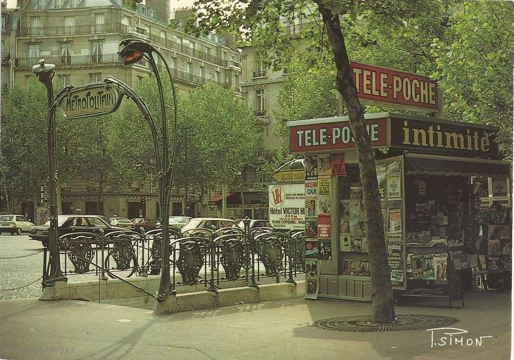 Leconte 2704 - La place Victor Hugo