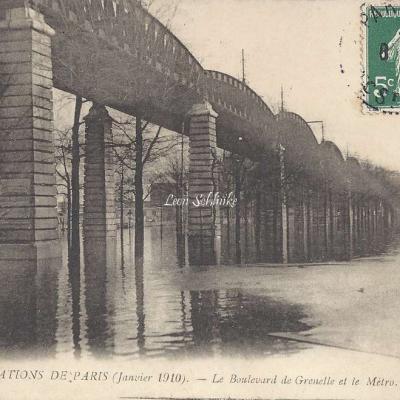 15 - Le Boulevard de Grenelle et le Metro