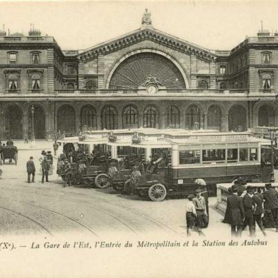 Lévy Fils & Cie 184 - PARIS (X°) - La Gare de l'Est Métro rt Station des Autobus