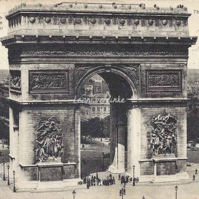 LIP 27 - L'Arc de Triomphe qui abrite le Soldat inconnu
