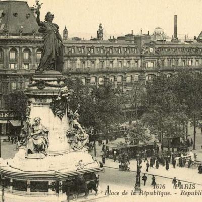 LL 1676 - PARIS - Olace de la République (vue 2)