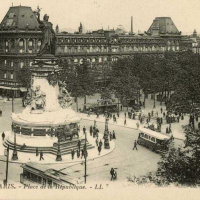 LL 1676 - PARIS - Place de la République (vue 1)