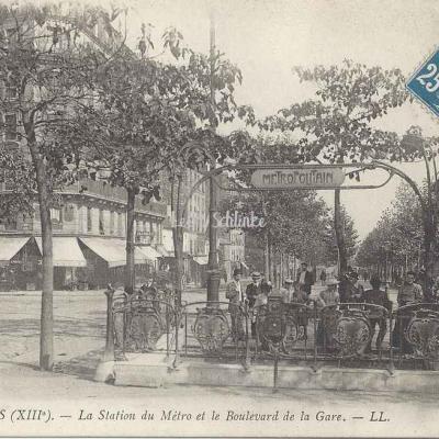 LL 1682 - La Station du Métro et le Bd de la Gare