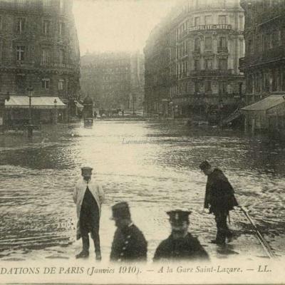 LL 226 - Inondations 1910 - A la gare Saint-Lazare