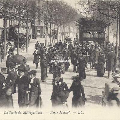 LL 299 - La Sortie du Métropolitain - Porte Maillot
