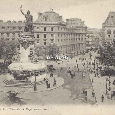 LL 785 - La Place de la République