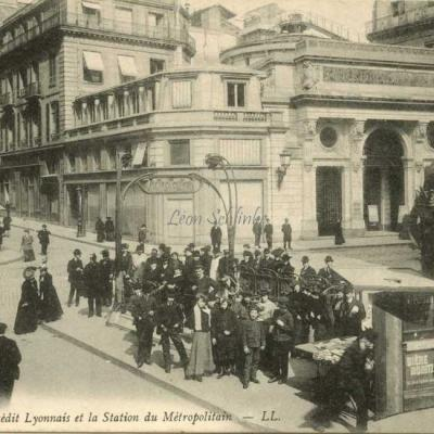 LL 921 -  Crédit Lyonnais et la Station du Métropolitain
