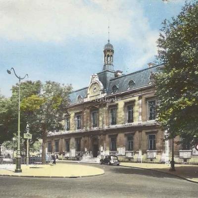 Lyna 351 - Saint-Ouen, la Mairie, place de la République