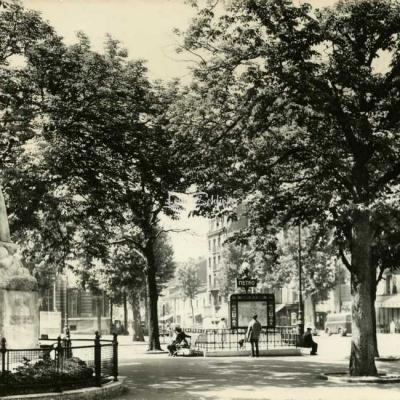 Marco 19 - SAINT-OUEN - Rond-Point de la Mairie