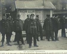 ND 12 - PARIS le 1er Mai 1906 - Place de la République, QG de M. Lépine