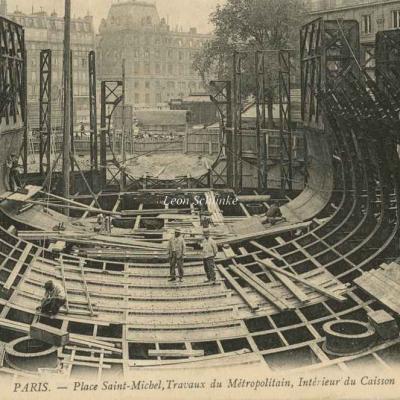 ND 1702 - Intérieur du Caisson, Pl. St-Michel