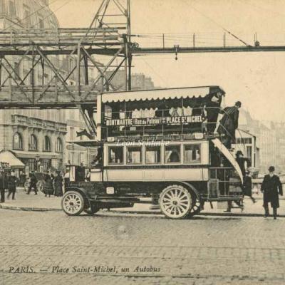 ND 1949 - Place Saint-Michel, un Autobus
