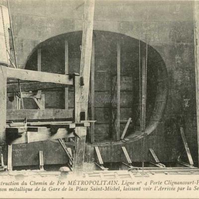 ND 1985 - Caisson métallique de la Gare Saint-Michel