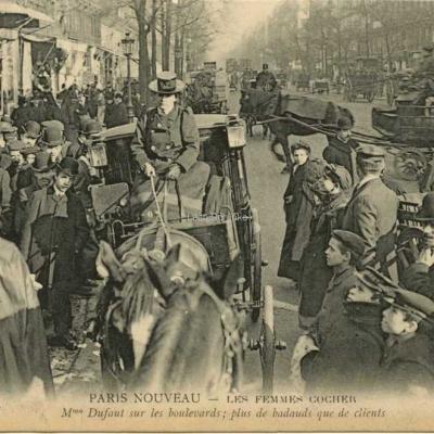 ND 2260 - Mme Dufaut sur les boulevards