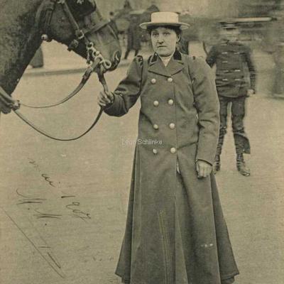 ND 2270 - Mme Lutgen, ex-comtesse du Pin de la Guérinière
