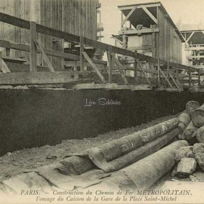 ND 2273 - Fonçage du Caisson de la Gare de la Place St-Michel