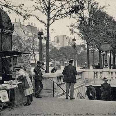 ND 3505 - PARIS - Avenue des Champs-Elysées. Passage souterrain, Métro Station Marbeuf