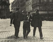 ND - PARIS 1er Mai - Un manifestant arrêté