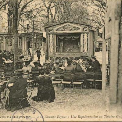 ND 726 - Aux Champs-Elysées · Une Représentation au Théâtre Guignol