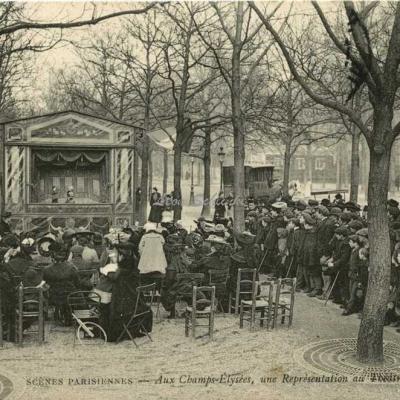 ND 727 - Au Champs-Elysées, une représentation au Théâtre Guignol
