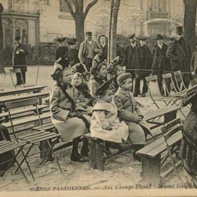ND 730 -  Aux Champ-Elysées · Devant Guignol