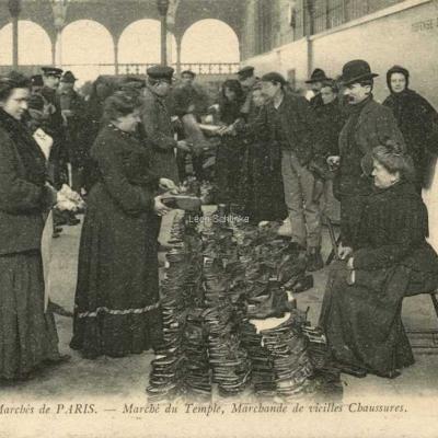 ND 830 - Marchande de vieilles Chaussures au Marché du Temple