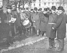 ND  - PARIS 1er Mai - Mr Bouvier fournit des renseignements à M. Lépine