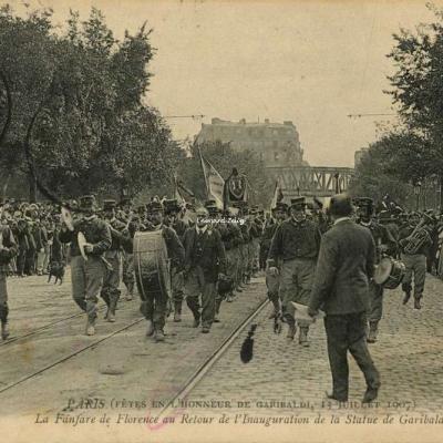 ND - PARIS - Avenue Lowendal - Défilé en l'honneur de Garibaldi le 13 Juillet 1907