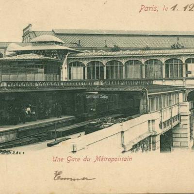 P.S. à D. - Erika 903 - Une Gare du Métropolitain