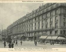 PARIS III°  - Rue Turbigo et station du Métropolitain