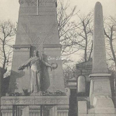 44 - Monument des Généraux Clément Thomas et Lecomte