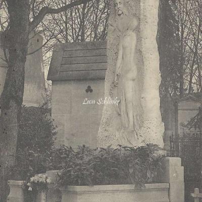 47 - Monument de Chaplin, Artiste Peintre