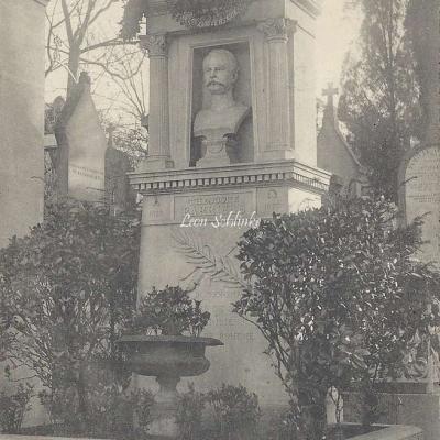 52 - Monument de Théodore Barrière