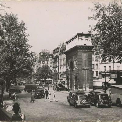 Raymon 100 - Images de PARIS - Carrefour Porte Saint-Martin